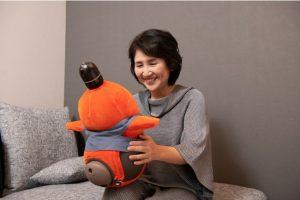 介護施設対象の無料1週間お試しキャンペーンを実施!『LOVOT』介護ロボット導入補助金対象に選定。全国60か所の介護施設へ導入決定